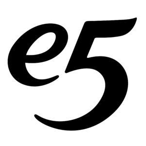 Een nieuwe stijlvolle outfit vinden bij e5 mode.